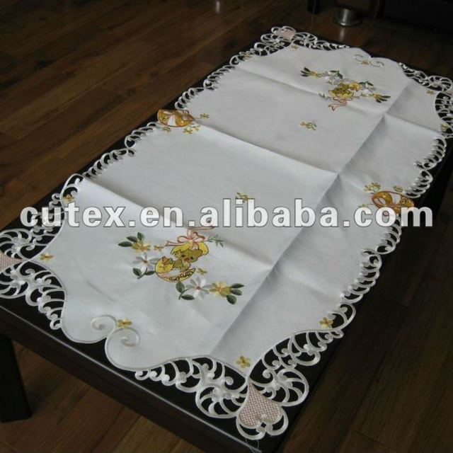 Decorative Table Runner Round Tables