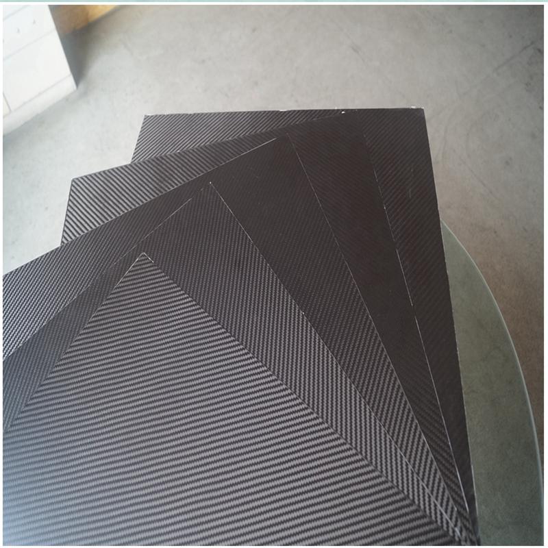 0,5 мм 400x500 мм саржевого переплетения углеродного волокна ламинат лист