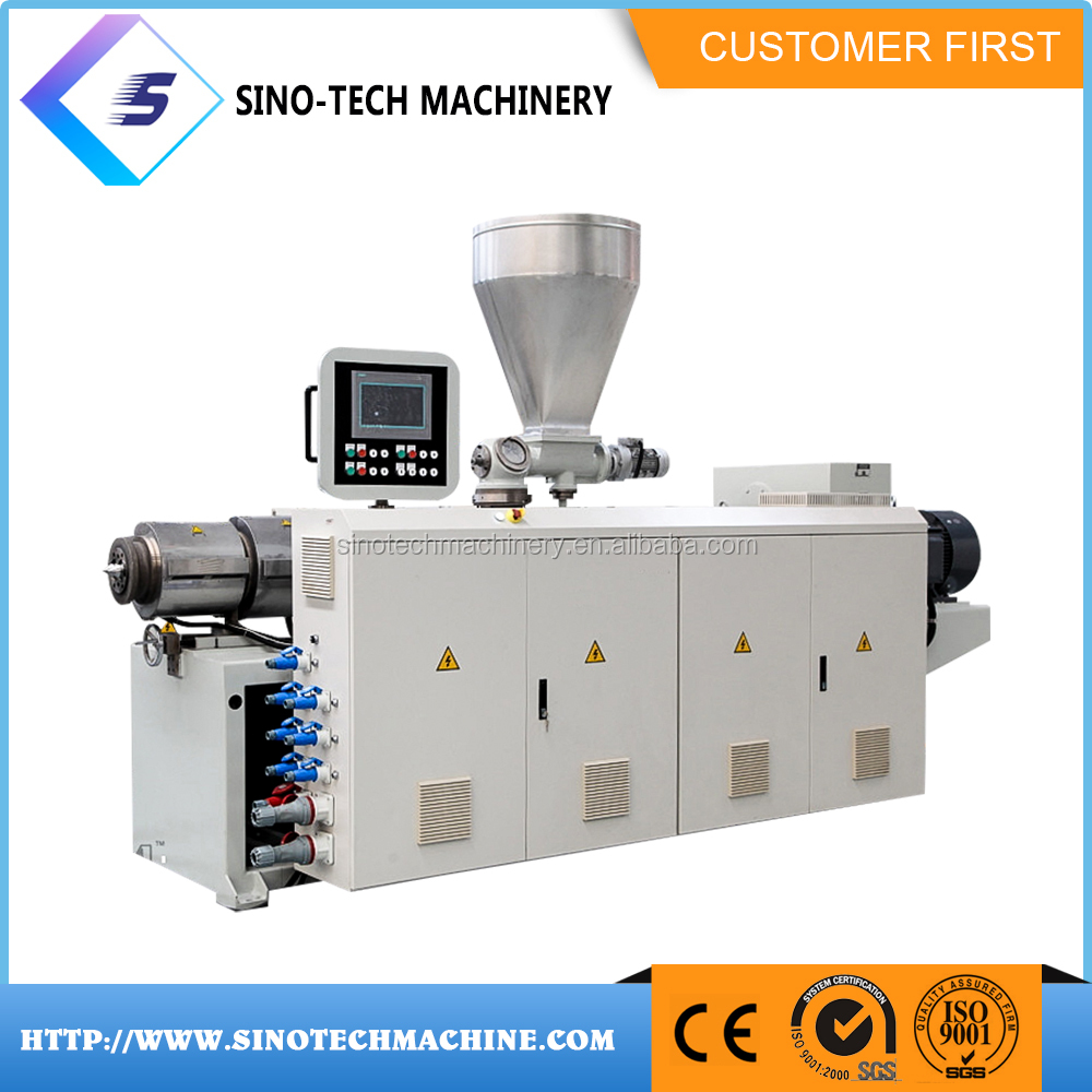 Chine fabricant caoutchouc pvc s'accrochent film extrudeuse machine