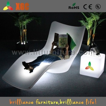Etonnant LED Illuminated White Plastic Pool Lounge Chairs Plastic Swimming Pool Chair