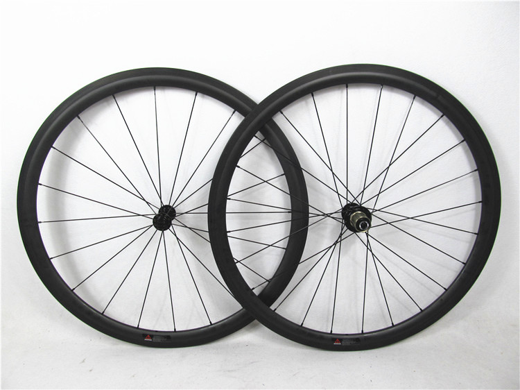 New-arrival-Farsports-700C-toray-carbon-wheels.jpg