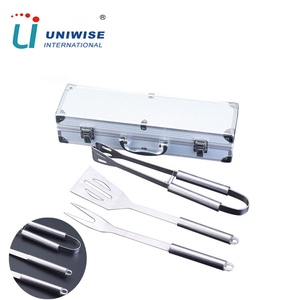 Luxurious BBQ Grill Set Accessories 3 pcs Stainless Steel Barbecue Grill Tool Set With Aluminum Case