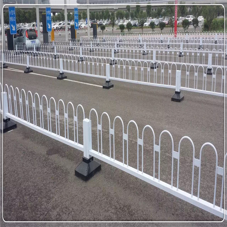 High quality powder coated temporary fence road safety barrier traffic guardrail for road