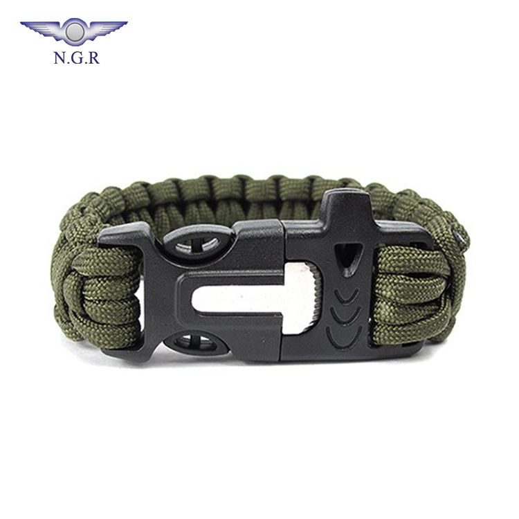 Factory Wholesale outdoor Emergency 550 Paracord survival bracelet with Whistle flint firestarter and Scraper, Red;army green;blue;black and others