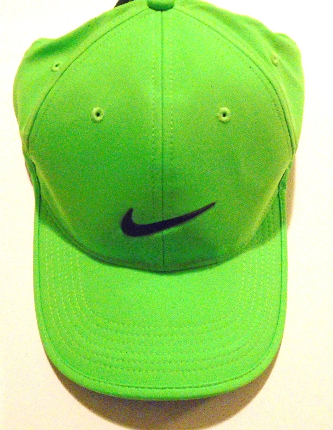 NIKE Golf Dri-Fit Adjustable Course Cap Pro Tour Hat (Lucky Lawn Green with 417e5f0463a5