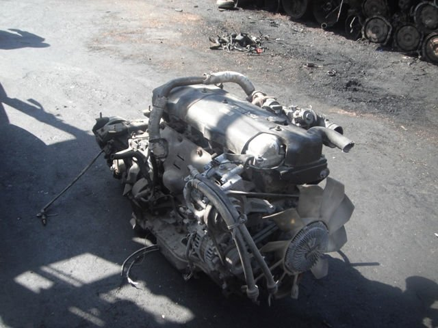 Isuzu 4h engine specs, bolt torques and manuals.