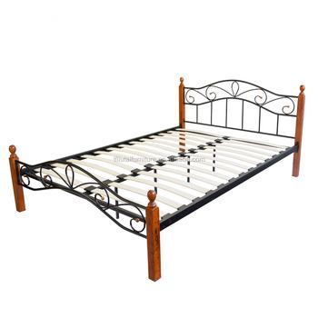 Bed 140x200 Hout.Metalen Bed Ijzeren Bed Dubbele 140 X 200 Hout Lattenbodem Bruin Bed