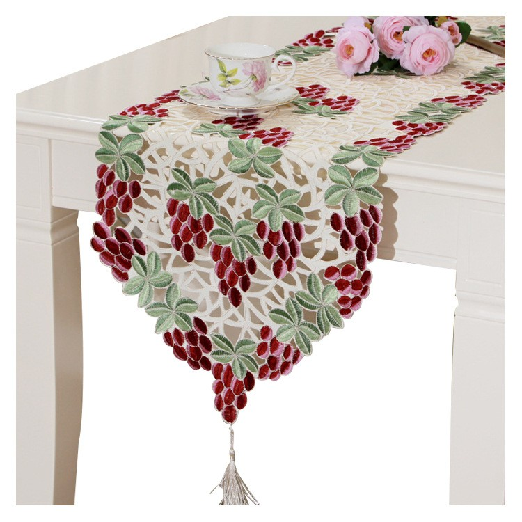 600435 Embroidery Checkered Tassel Table Cloth Heavy