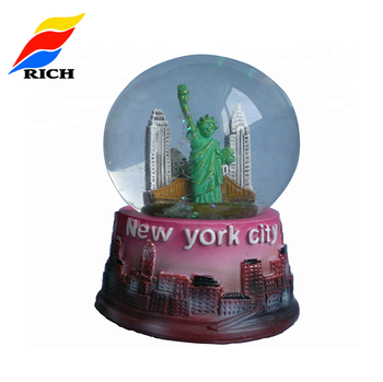 Best selling cheap resin glass snow ball custom made snow globe with new york city snow globe