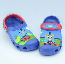 free shipping 2016 new fasion wendy cute cartoon Thomas Clog garden shoe for children sandal slippers