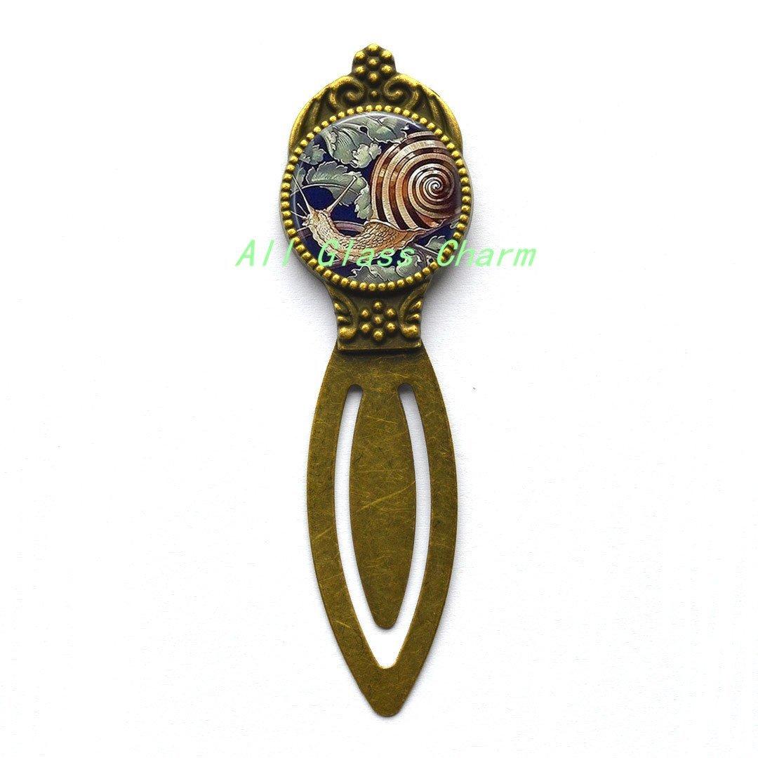 Beautiful Bookmarker,Garden Snail - Gardener Gift - Garden Snail Bookmark - Snail Bookmarker - Snail Jewelry - Escargot - Snail Shell,AS0204