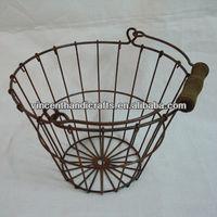 Rustic antique wooden handles round rusty wire decorative garden basket