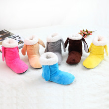 Teplé dámské papučky na doma ve tvaru kozaček