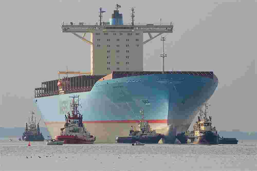 FCL and LCL logistics services oil tanker ship companies