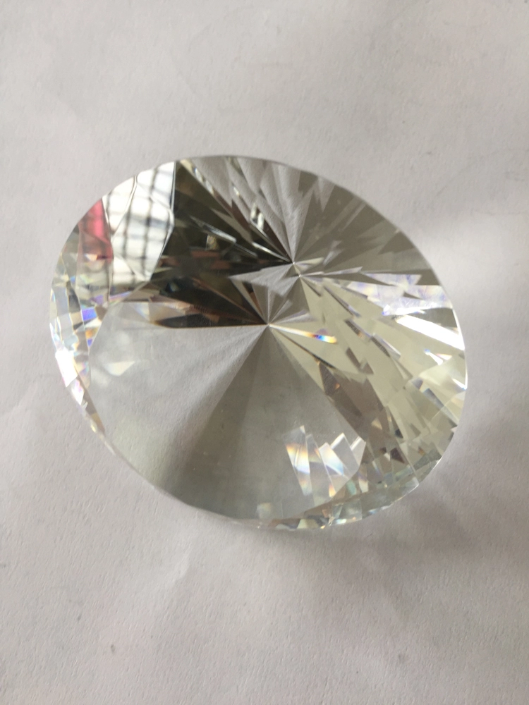 cheap colored decorative shining crystal diamonds for wedding decoration