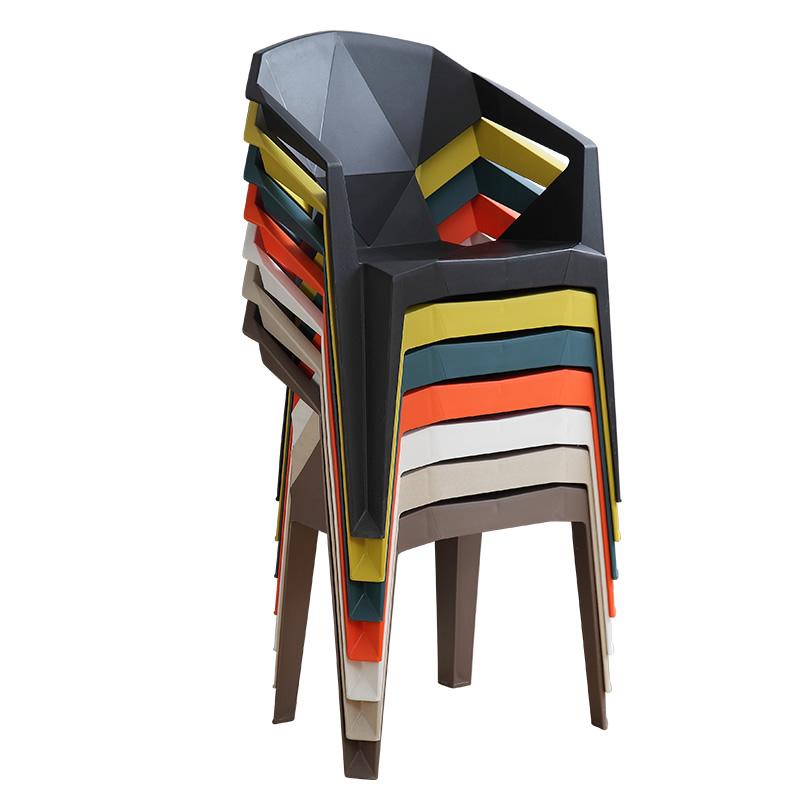 रचनात्मक ज्यामितीय डिजाइन आउटडोर बारबेक्यू बियर के लिए प्लास्टिक की कुर्सी