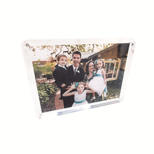 Wholesale 4x6 5x7 16x20 20x30 clear acrylic magnetic photo frame manufacturers