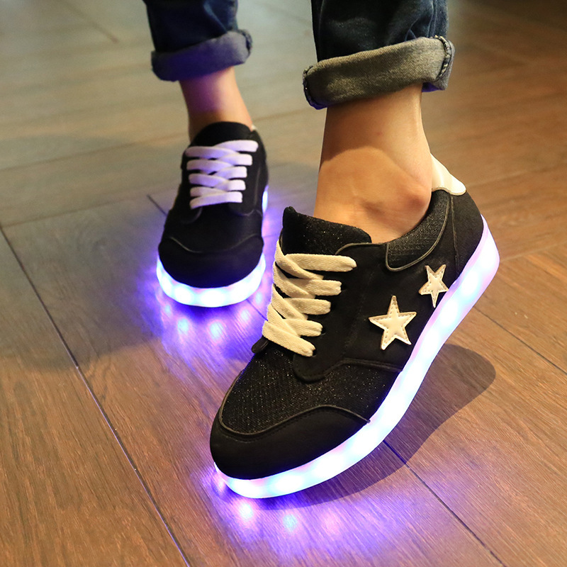 8 couleurs led lumineux chaussures led toiles sneakers hommes et femmes sneakers chaussures. Black Bedroom Furniture Sets. Home Design Ideas