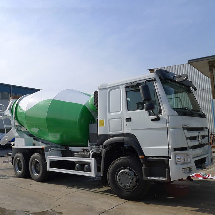 SINOTRUK HOWO 6x4 10 wheeler 12m3 concrete mixer truck for sale