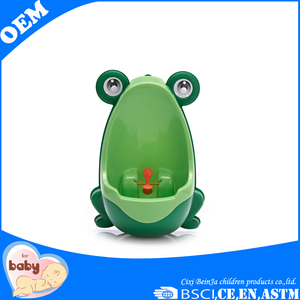 Good quality with sanitary and convenient handle boy urinal 2016 lovely plastic baby potty