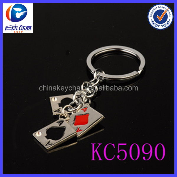 The popular game poker shaped metal keychain in China