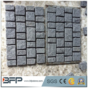 Cheap Grey Color Granite Cube Paving Stone Cobble Stones on Mesh