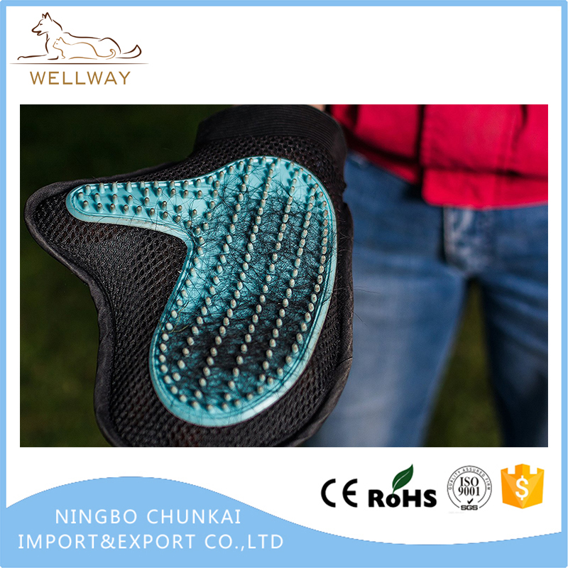 Dog & Cat Grooming and Brushing Glove 2-in-1 Grooming and furniture hair remover mitt Gentle Fur Removing glove