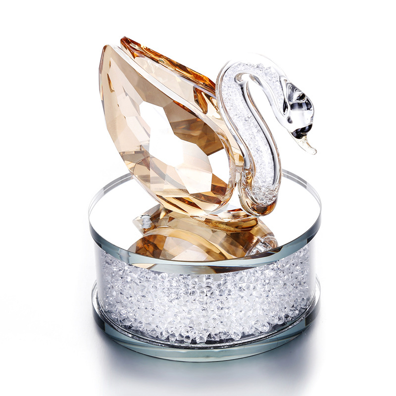 Wholesale Business Creative Gift Crystal Swan crafts perfume bottles for Car Decoration