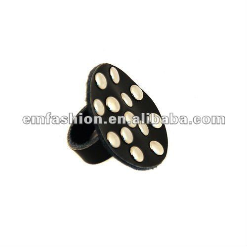Fashion cheap round black leather ring
