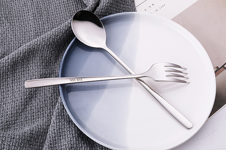 Latest 2 pcs stainless steel spoon and fork set cutlery