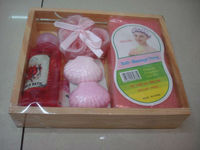 Natural Wooden Bath Gift Basket Ideas,Valentine's Bath Gift Set for Women