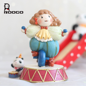 ROOGO Wholesale resin New Cartoon Acrobatic Circus Home Accessories Creative Zakka Ornament