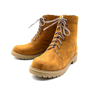 Brown lace-up winter hunting boots for women