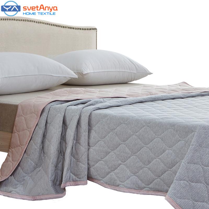 achetez en gros matelass couvre lit en ligne des grossistes matelass couvre lit chinois. Black Bedroom Furniture Sets. Home Design Ideas