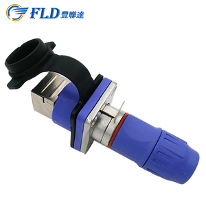 Professional Factory Supply 1.5A /50V RJ45 Signal Plug IP44 Connected With CAT5 Cables Applied in Equipments
