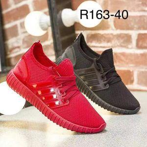 sport shoes woman shoes stock shoes