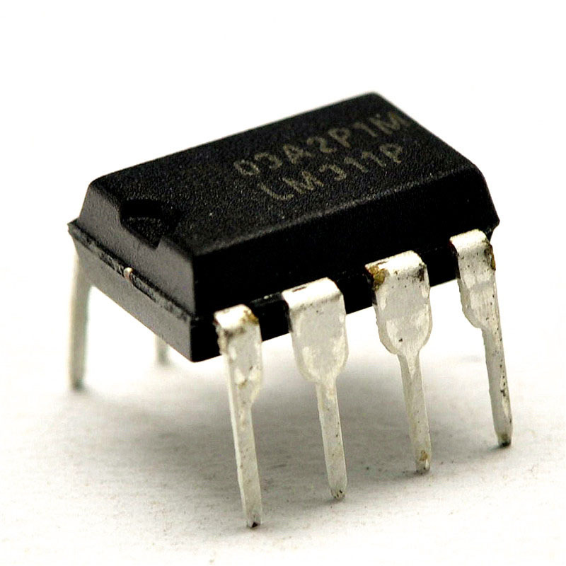 LM311  LM311P voltage comparator DIP-8