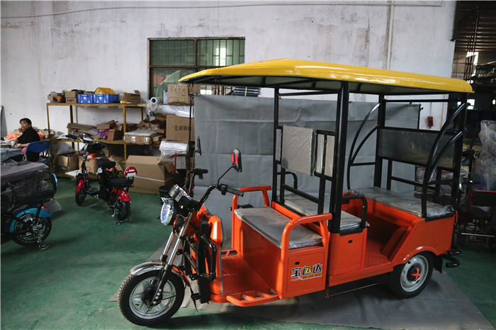 Leisure sightseeing car passenger tricycles with rowing seats for scenic spots