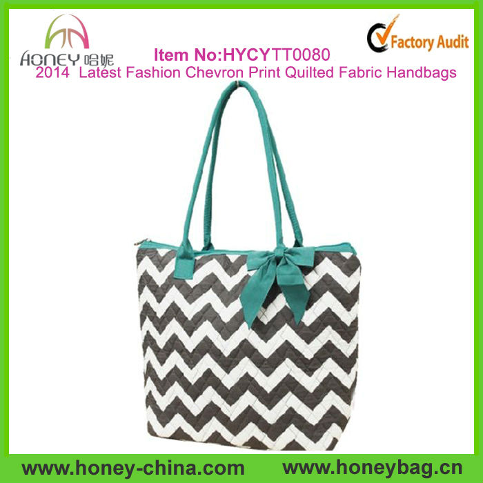 2014 Latest Fashion Ribbon Accent White & Grey Chevron Print Quilted Fabric Handbags