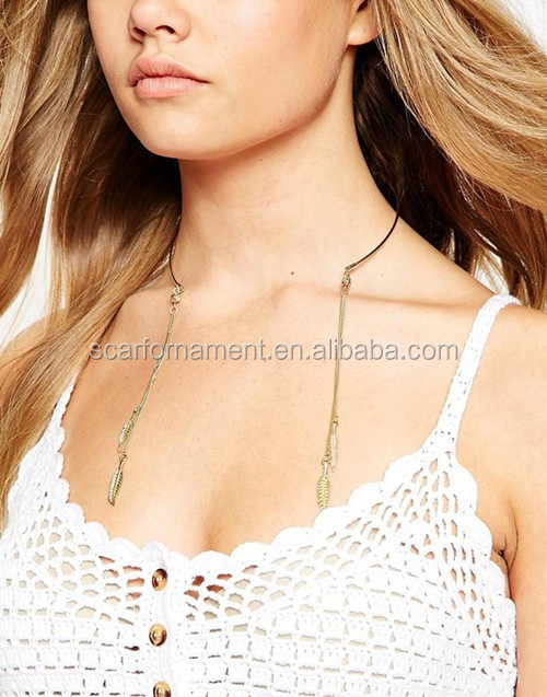 Latest Special Design Gold Metal Cuff Open Necklace With Tassel Thin Chains Leaf Shaped Pendant Choker Necklace For Women