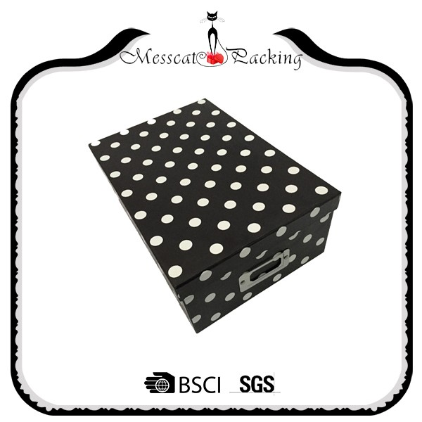 Deluxe polka dot top rigid setup paper gift box with metal holder