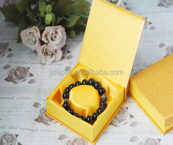 9*9*3cm magnetic gold paper bangle or beacelet box with satin insert