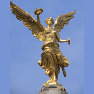 garden decoration gold plated angel of victory statue holding garland