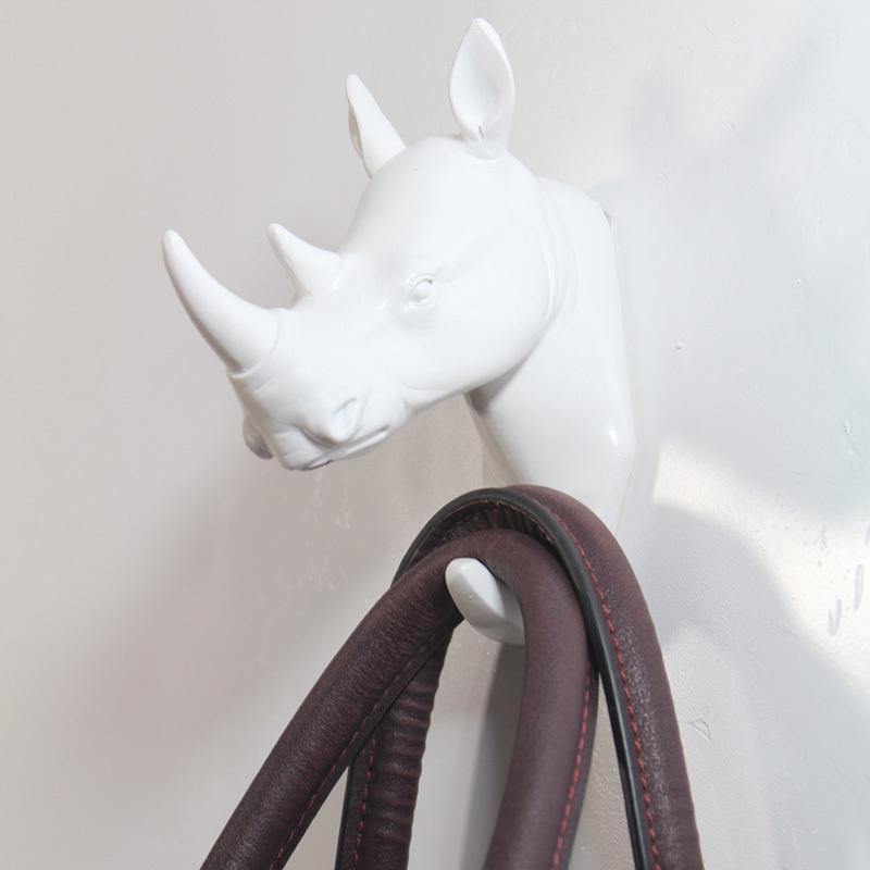 acheter style animal t te de rhinoc ros murale en r sine crochet br ve moderne. Black Bedroom Furniture Sets. Home Design Ideas