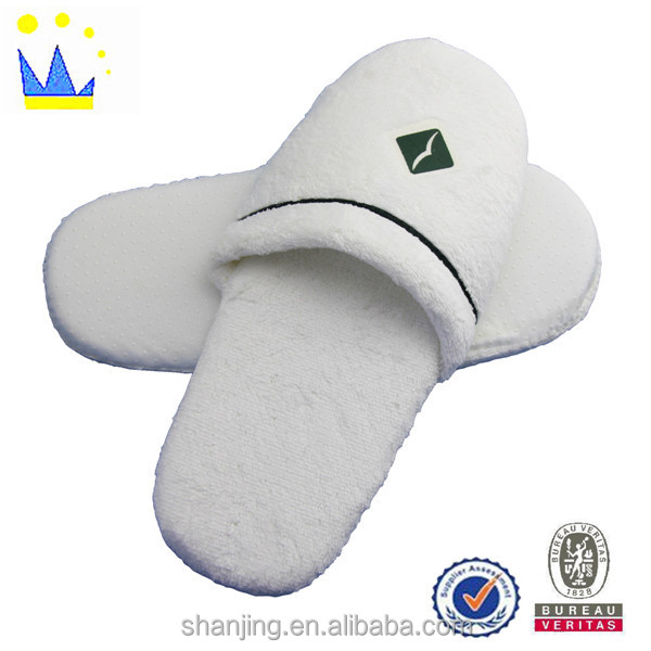 Anti-slip thickness-soled wholesale hotel slippers for stars guestroom