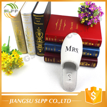 Customized coral fleece soft sole hotel guestroom slipper for couple