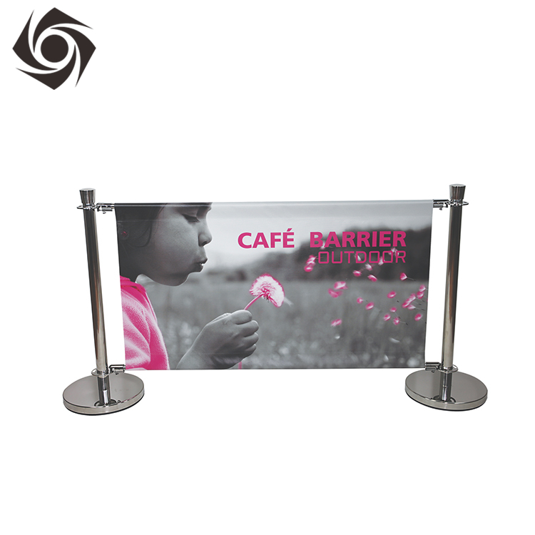 Commerciële Aangepaste Gedrukt Intrekbare Outdoor Banner Stand Display Cafe Barrières