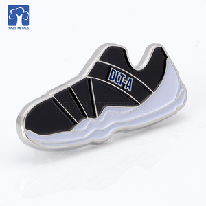 Customized sports Shoes very cute and best sell badge/label pins