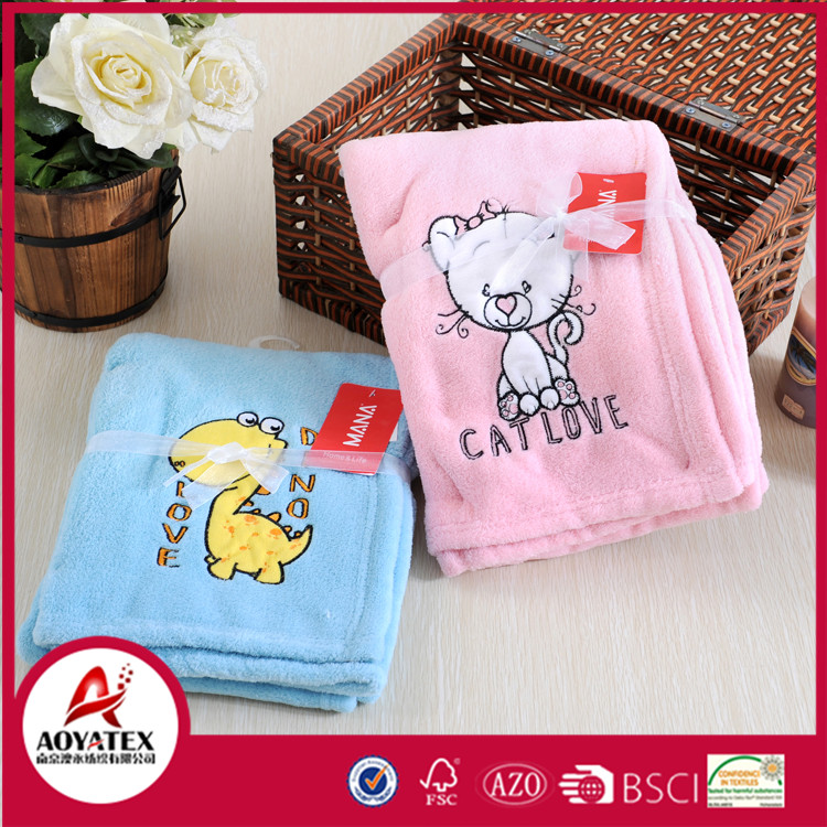2016 new design embroidered microfiber new born baby blanket