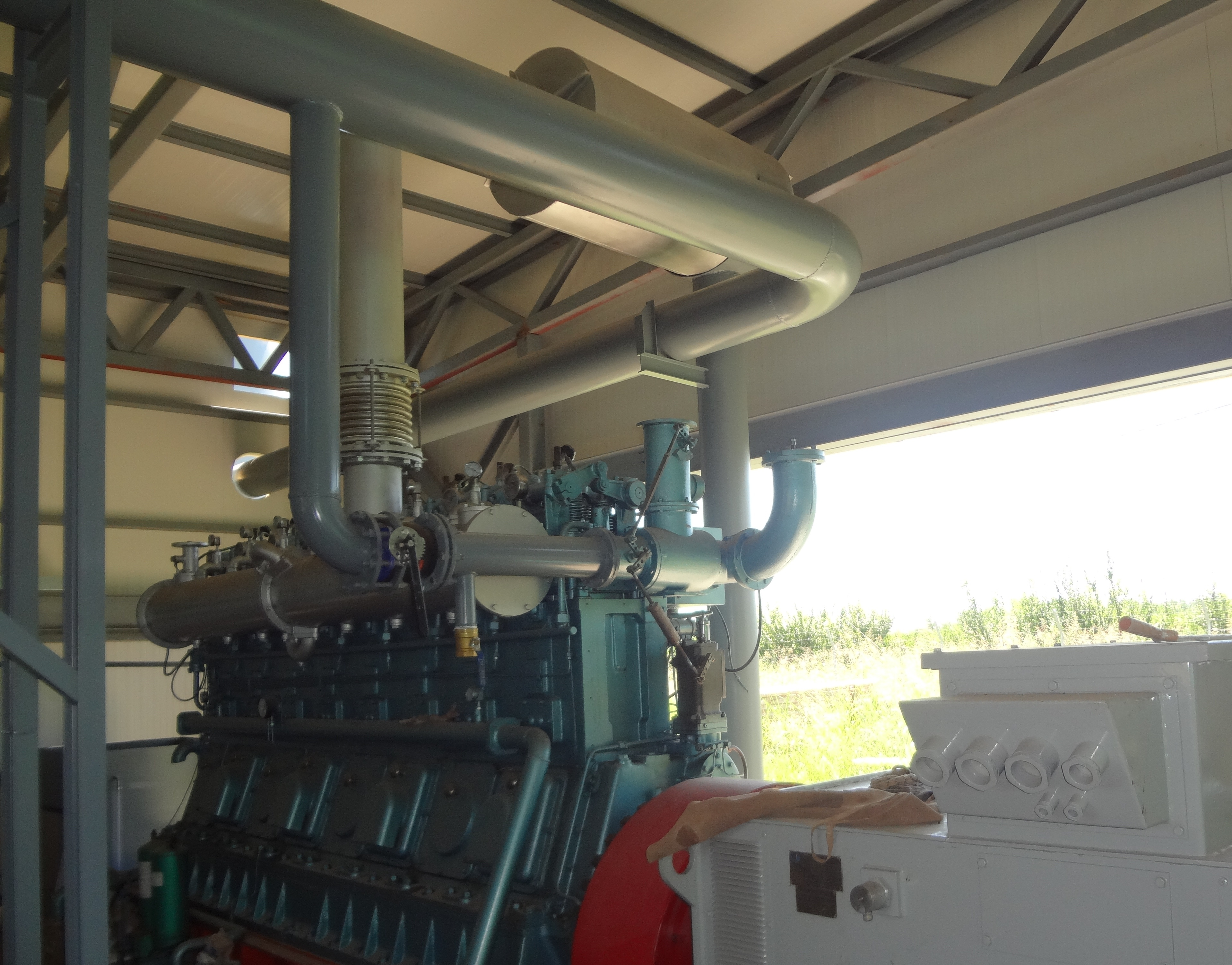 Palm Fronds Thermal Electricity Generation System